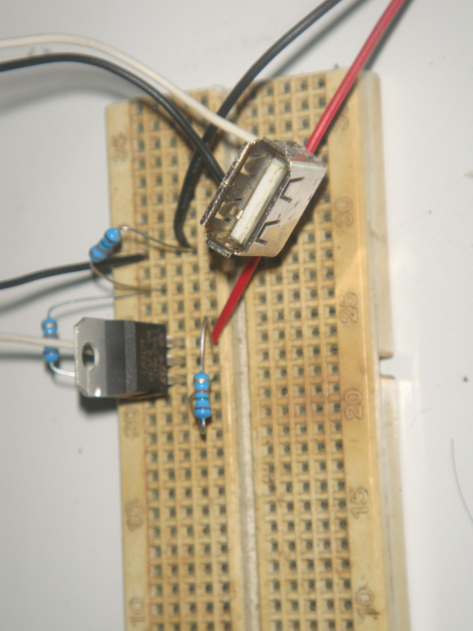 Diy Power Bank Diy4all Usb Powered Battery Charger Circuit Gambar Skema Rangkaian Menurut Perhitungan Kalkulasi Sih Output Pada Lm317 Saya Set Di 528 V Dan 900 Koma Sekian Ma Agar Sesuai Dg Tegangan Charging Dari Ponsel2 Smartphone Yg