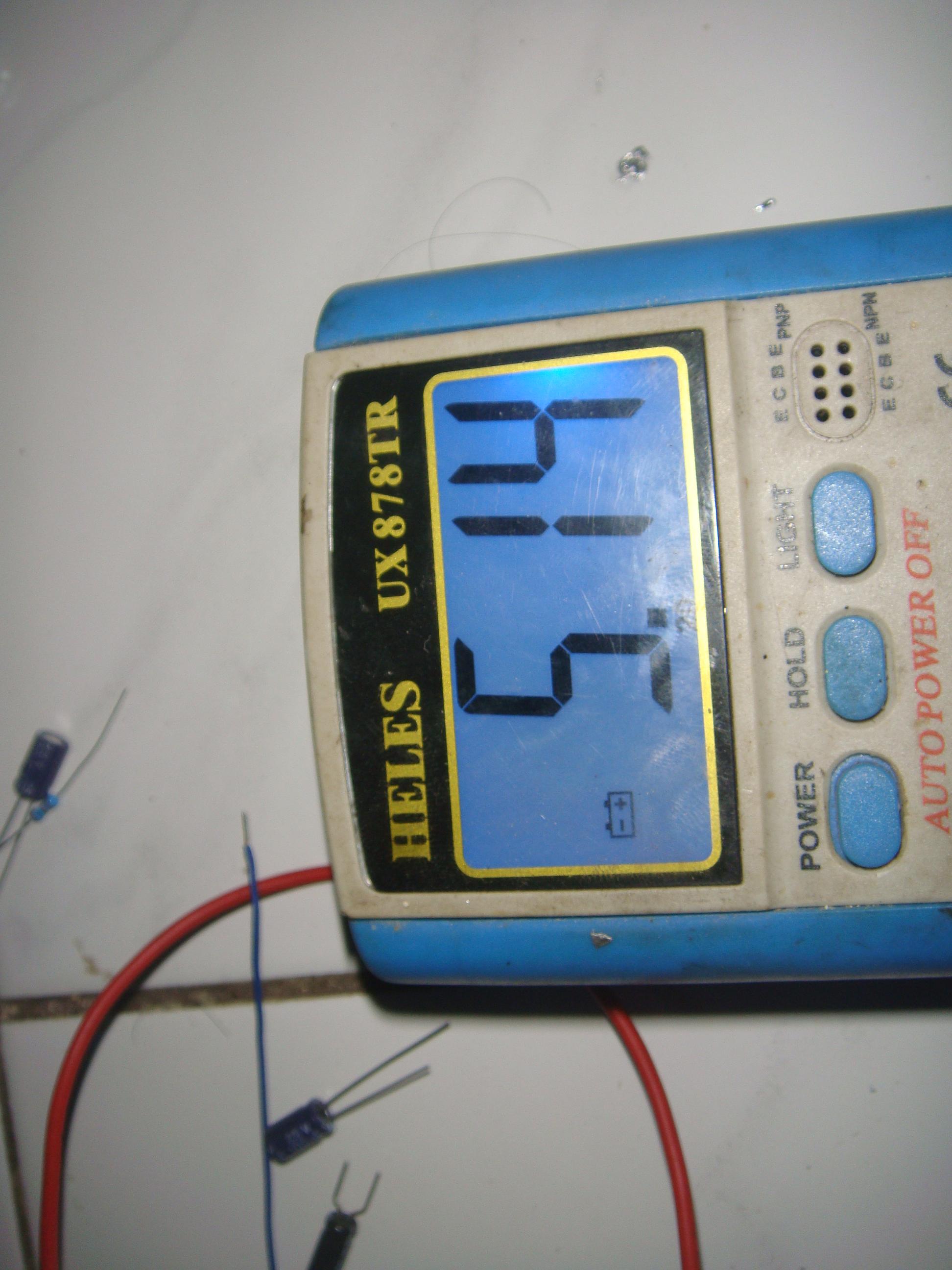 sedikit meleset 0 koma sekian volt dari kalkulasi ga papa wis namanya juga pake komponen lokal nah sekarang saatnya testing di hp